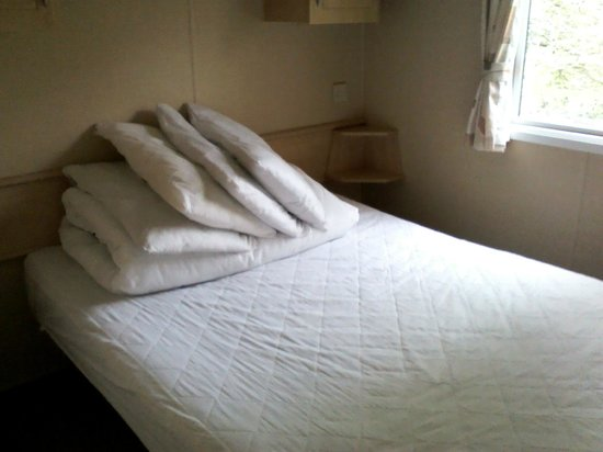 Forest Glade Holiday Park: Double bedroom