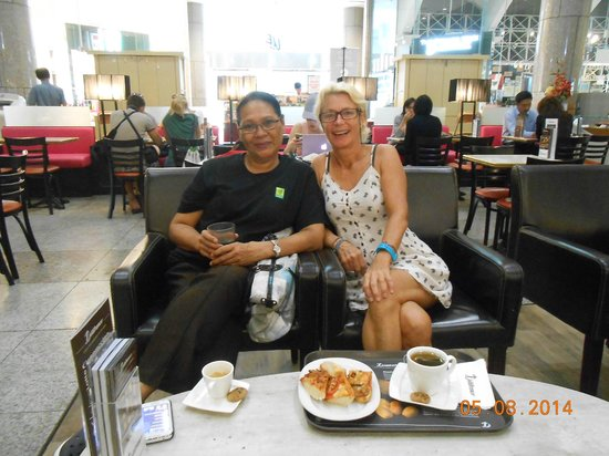 Fernloft China Town: Out for a coffee with Autny Aini