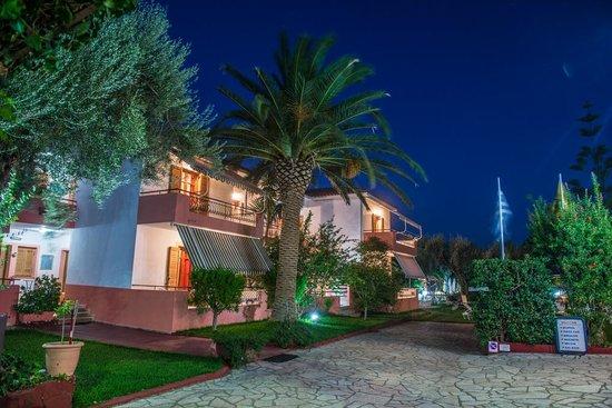 Frini, Hellas: Studio blocks (Night)