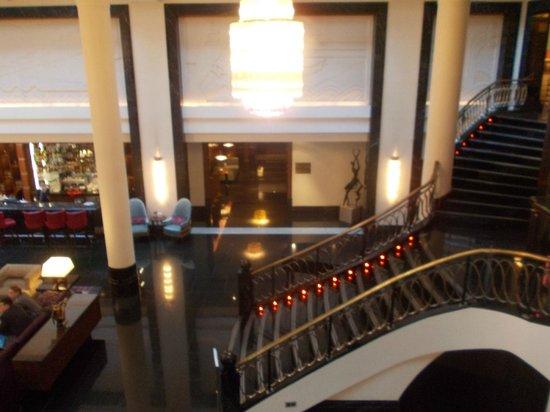 Corinthia Hotel St. Petersburg: холл