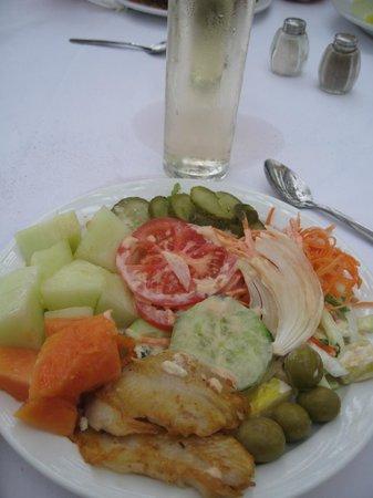 Hotel Eugenia Victoria: En *lunchrätt*