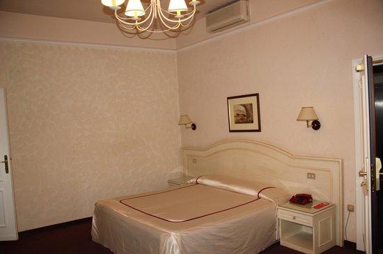 Hotel Ercolini & Savi : номер