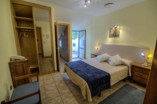 Hostal Jai Alai: Habitación