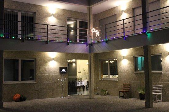 Restaurante Típico Retiro da Cabreira: Espaço Exterior