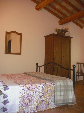 Azienda Agrituristica Biologica Villa Rosa: camera - tutte con bagno con doccia privato e connessione internet wi-fi gratuita