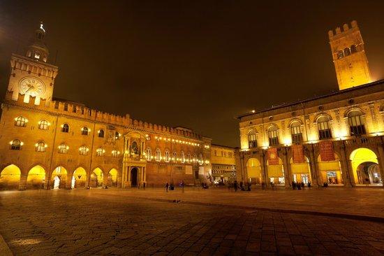 Living Place Hotel: Piazza Maggiore a Bologna