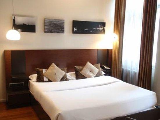987 Design Prague Hotel : bed