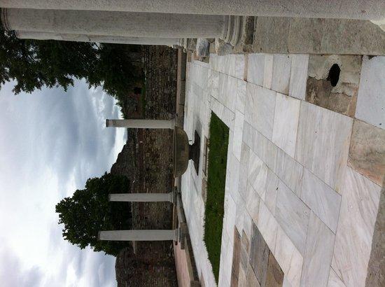 Felix Romuliana in Gamzigrad : Temple columns remain