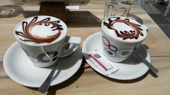Caffe Bar Ancora: Lovely cappucino, and quite tasty.