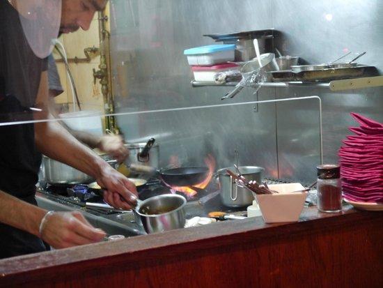La Panxa del Bisbe : Une vue de la cuisine!