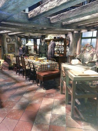 Warner Bros. Studio Tour London - The Making of Harry Potter: The Burrow