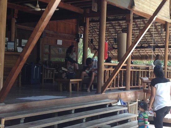 Barefoot at Havelock: Open bar cum reception area