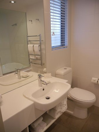 Bluestone on George : Ensuite at Premier Studio Apartment