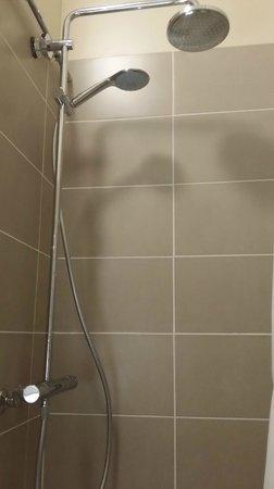 Hotel d'Azur : salle de douche