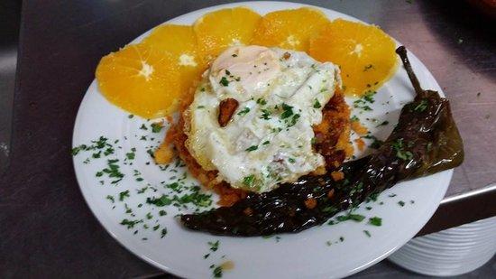 Venta Restaurante Los Pedregales: Migas con Naranjas