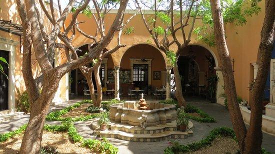 La Mision de Fray Diego: Blick auf wunderschönen Innenhof