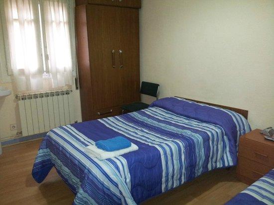 Zona comun habitaciones con ba o compartido picture of - Bed and breakfast logrono ...