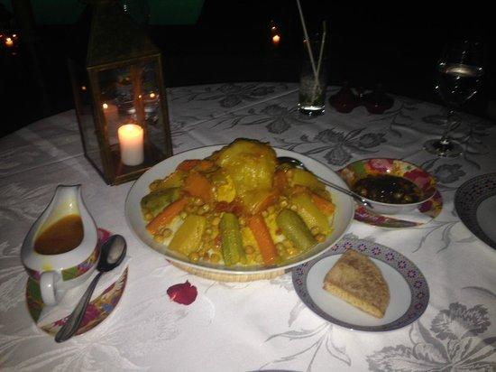 Dar Ayniwen Villa Hotel : le couscous