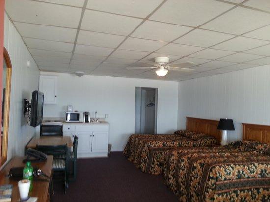 The Copley LaReine Motel : room #8 2nd floor oceanside