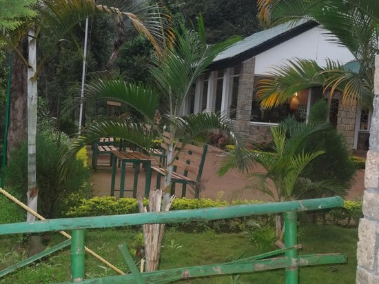 Kaivalyam Retreat: Reception & Dinning area