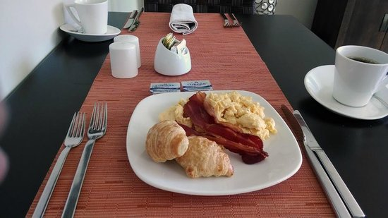 Real InterContinental at Multiplaza: Club breakfast