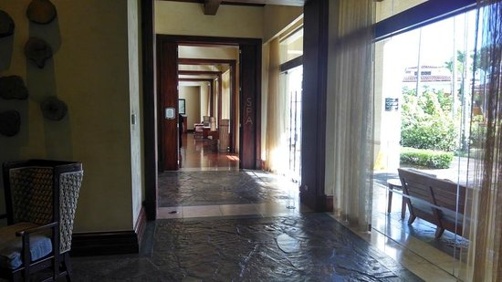 Real InterContinental at Multiplaza: Spa entrance