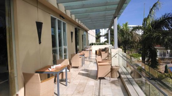 Real InterContinental Costa Rica at Multiplaza Mall : Club Deck (overlooks pools)