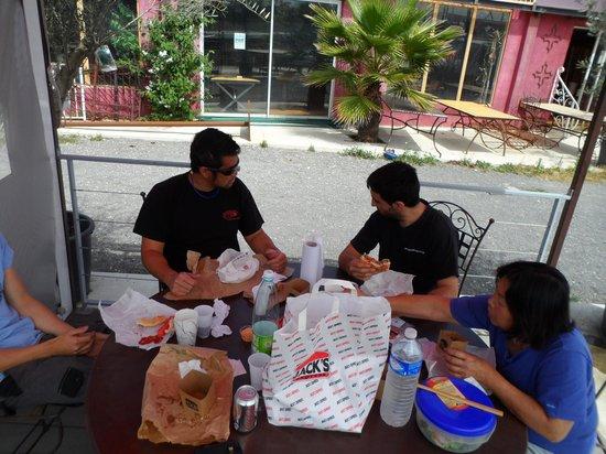 Pour un repas rapide entre amis foto di jack 39 s burgers for Repas entre amis rapide