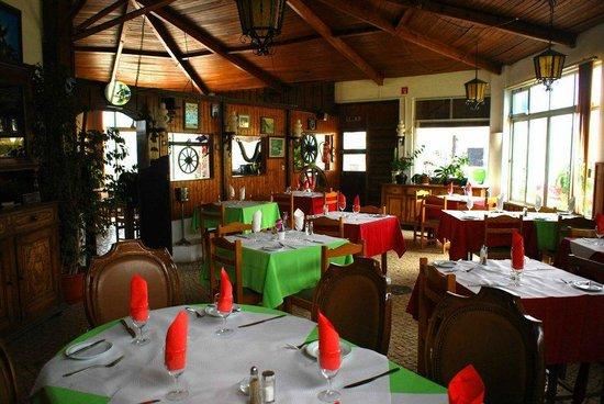 restaurante Suisse: Restaurante por Dentro