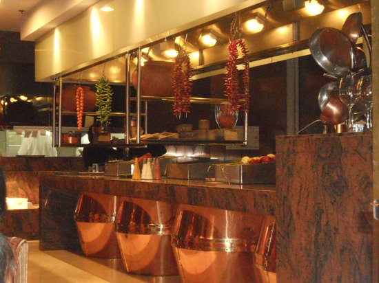 Picture of tadka rasoi indian restaurant beijing for Live kitchen design