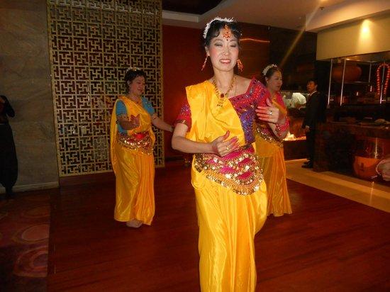 Tadka Rasoi Indian Restaurant: Lovely performace at Tadka..Rasoi