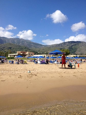 Pilot Beach Resort: looking back at the holet from the beach