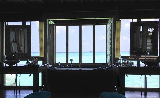 Gili Lankanfushi Maldives: Badezimmer