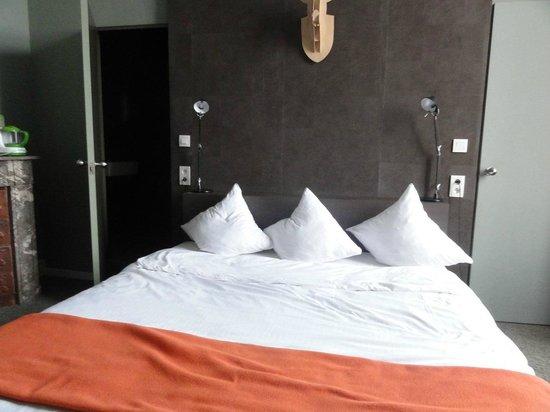 Chateau de la Poste : Le lit super confort, king size !