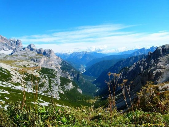 Tre Cime di Lavaredo: Spectacular view from the beginning of the walk