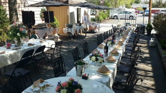 Vidalia Restaurant: Patio Party Set Up