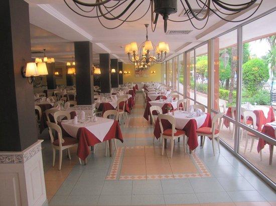 Hotel Chems : Restaurant