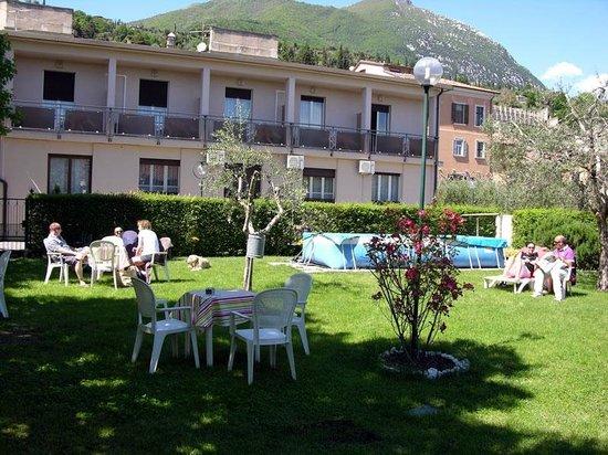 Giardino foto di hotel eden toscolano maderno tripadvisor - Hotel giardino toscolano maderno ...
