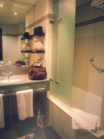 Hotel NH Collection Lisboa Liberdade: salle de bain / wc