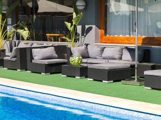 Astari Hotel: Chill out piscina