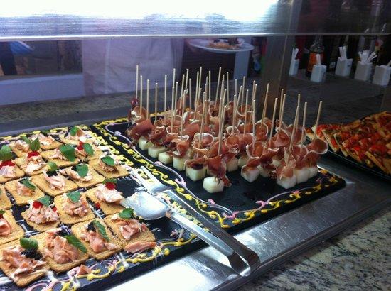 Playa Garden Selection Hotel & Spa : immer apero Häppchen vorhanden