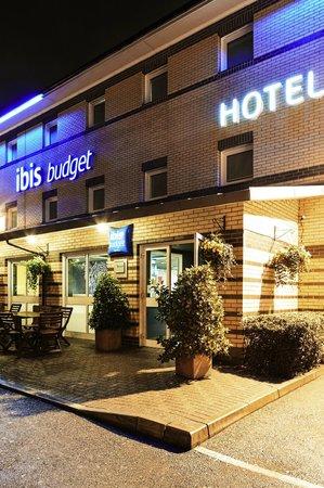 Ibis Budget London Barking : Hotel exterior