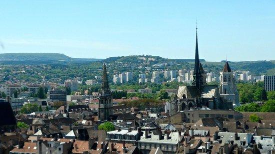 Tour Philippe le Bon : Ce qu'on voit de là-haut ...