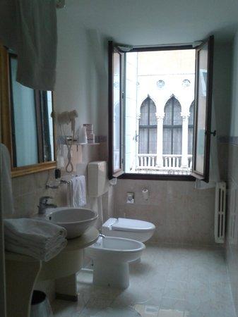 Corte Dei Greci Hotel: Bagno della junior suite