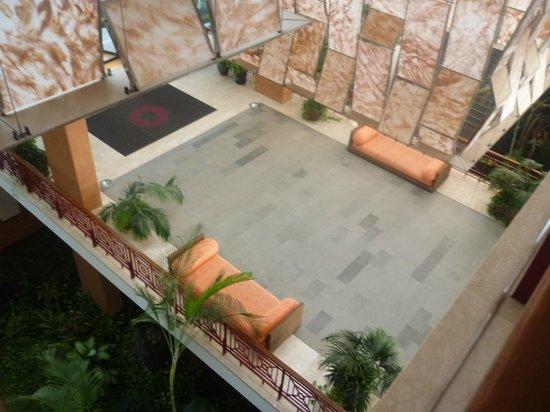 Hotel Costa Calero : Looking down to the ground floor