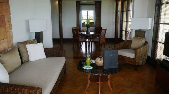 The Legian Bali: Номер (гостиная)