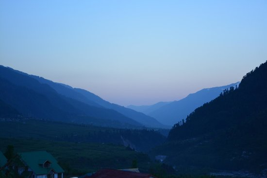 Karma Cottage: Beautiful valley view from the terrace