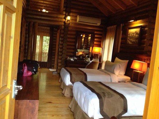 Philea Resort & Spa: inside room