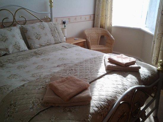 Birklands Guest House: Room 4 - Double