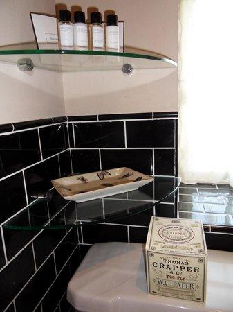 Roxbro House: Shower room